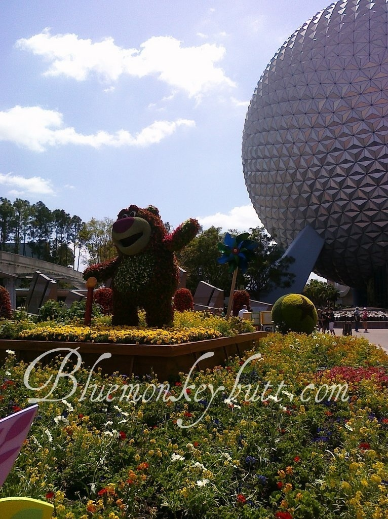 EPCOT International Flower and Garden Show during Disney Social Media Moms 2011
